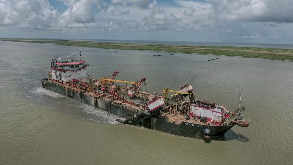 Dredging the Mighty Mississippi: Why only 5 feet measure up